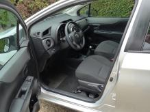 LEFT HAND DRIVE FRENCH REGISTERED TOYOTA YARIS 3 VVTi. VERY LOW MILEAGE