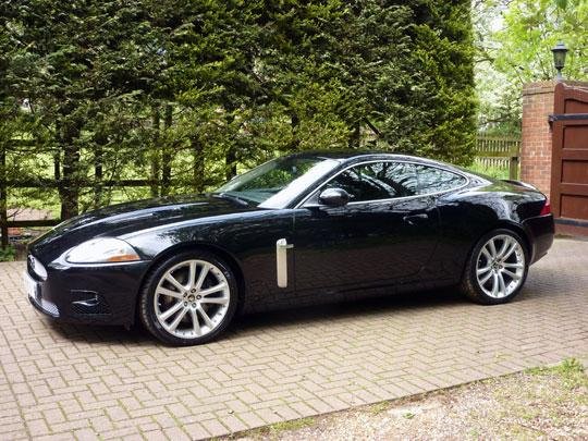 jaguar xkr 4 2 v8 supercharged coupe lhd 306kw. Black Bedroom Furniture Sets. Home Design Ideas